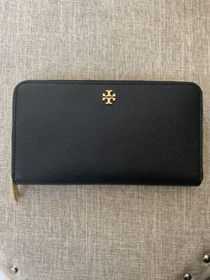 Tory Burch wallet for Sale in Fontana, CA