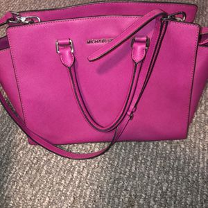 Authentic Pink Michael Kors Purse for Sale in Lincoln, RI