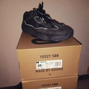 Adidas YEEZY 500 'Utility Black' sz10.5 for Sale in Bloomington, IL