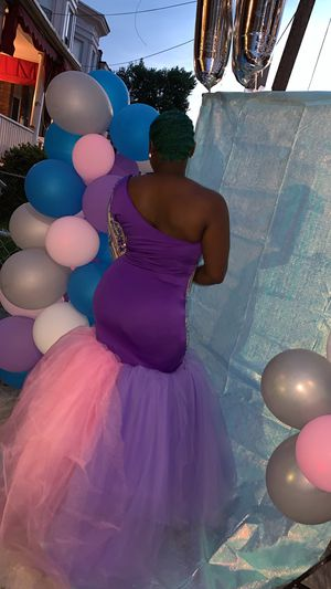 Beautiful custom made prom dress for sale. I don't accept checks for Sale in Baltimore, MD