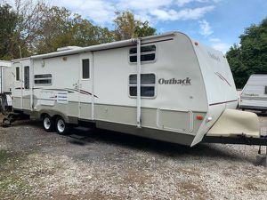 2006 OutBack 30ft ac awening 2/slide out sleeps,10 Self cont nice for Sale in Garland, TX