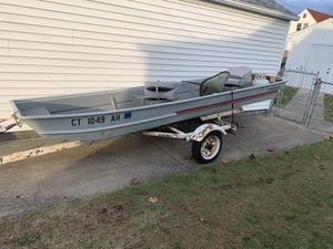❗️❗️❗️Bass Boat and trolling motor❗️❗️❗️ for Sale in Cranston, RI