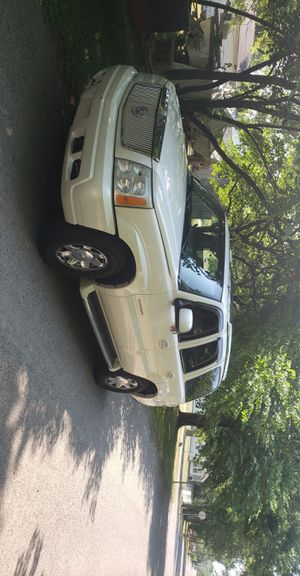 2002 Cadillac Escalade 6.0l awd for Sale in Lima, OH