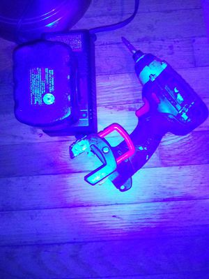 18 volt Bosch impact drill with case for Sale in Columbus, OH
