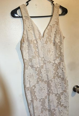 Floral white&beige dress(M-L) for Sale in Irwindale, CA