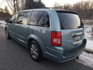 2010 Chrysler Town & Country Touring Nice! for Sale in Silver Spring, MD