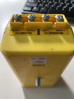 Sentry garage door sensor set for 1 door for Sale in Sammamish, WA