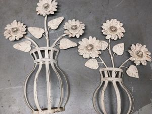 Rustic Metal Flowers With Vases Wall Decor for Sale in Austin, TX
