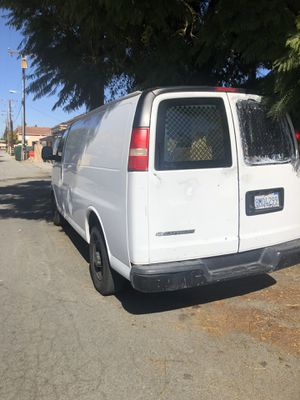 2007 Chevy Express cargo van in good condition for Sale in Lakewood, CA