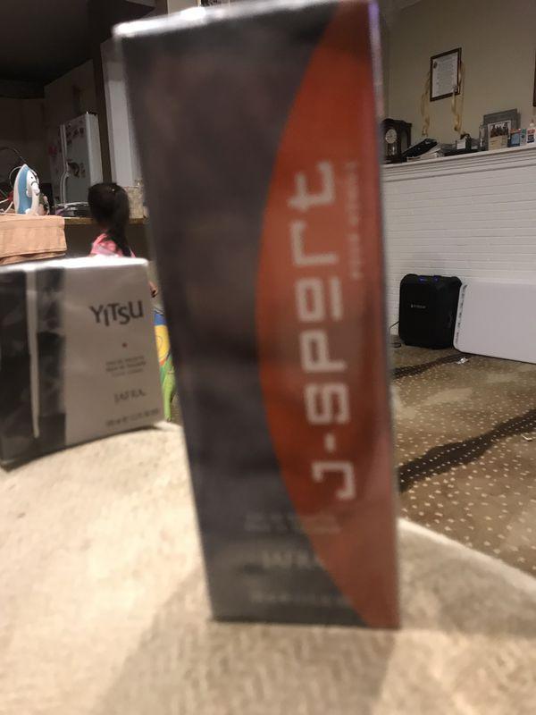 Perfumes de hombres a $33 cada uno