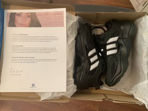 Authentic Certified KIM KARDASHIANS PERSONAL SHOES ADIDAS MAGMUR RUNNING SHOES SIZE 7 women's Certificate of Authenticity for Sale in Whittier, CA