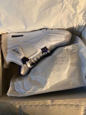 White Jordan Retro 4 for Sale in Columbus, OH