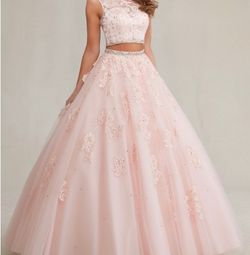 Quinceanera dress two piece for Sale in Hialeah,  FL