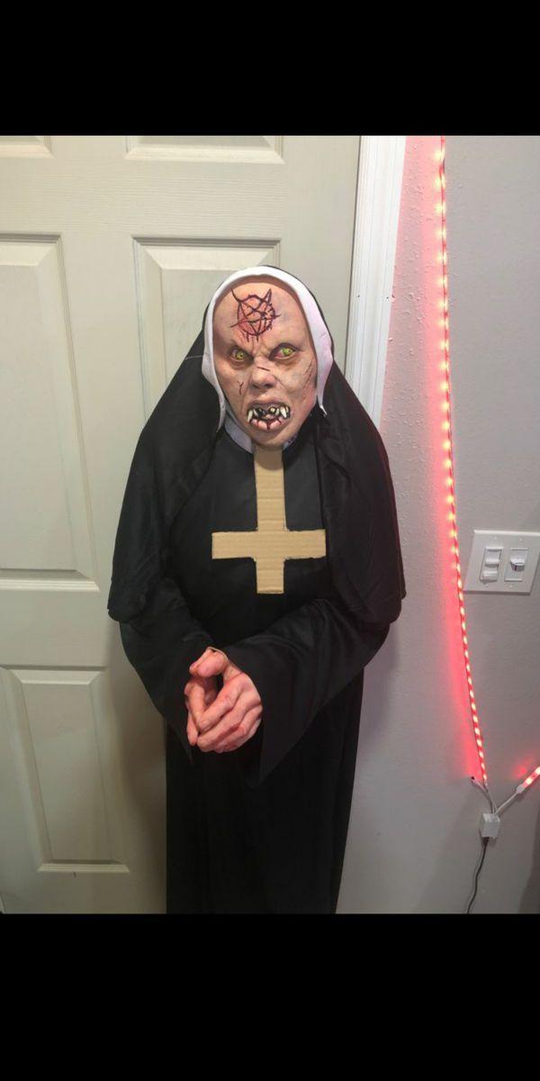 Lifesize nun Halloween Prop FREE FREE