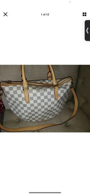 Louis Vuitton women's hand bag for Sale in LA, US