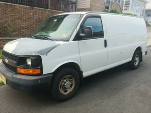 2009 Chevy express 2500. for Sale in Laurence Harbor, NJ
