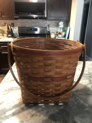 Large Longaberger Basket for Sale in Moon Township, PA