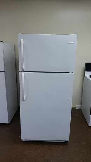 White Refrigerator Frigidaire good condition working good. for Sale in Perth Amboy, NJ