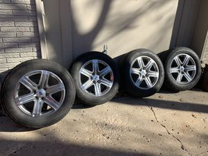 20in Ford F-150 or Expedition Wheels and Tires for Sale in Weatherby Lake, MO