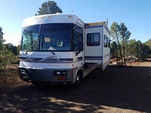 1999 Winnebago Adventure Diesel for Sale in Lakeside, AZ