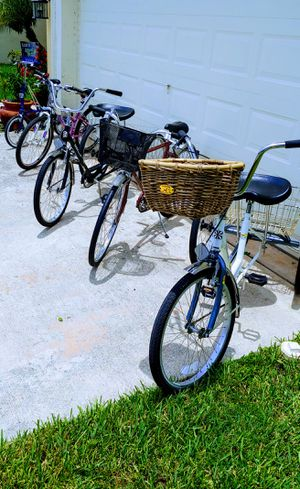 Cruiser Mountain Tricycle Folding Bike for Sale in VLG WELLINGTN, FL