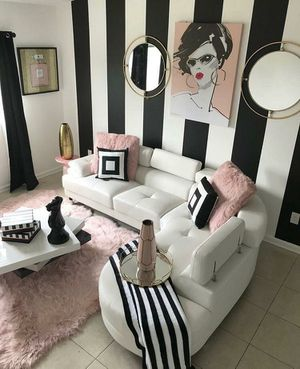 White sectional sofa for Sale in Oakland Park, FL