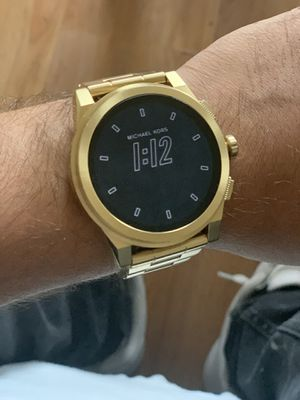 Michael Kors Grayson Smart Watch (Gold) for Sale in Queens, NY