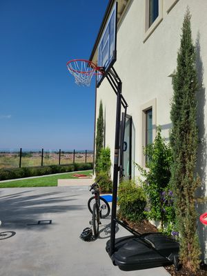 Portable Basketball Hoop for Sale in Irvine, CA