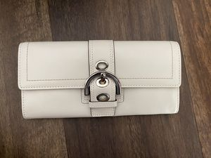 White Leather Coach Wallet for Sale in Irvine, CA