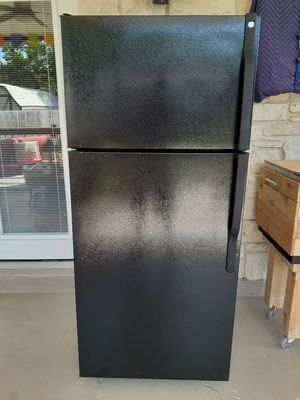 GE ( black refrigerator-no/ ice maker ) $300 ( firm on price ) for Sale in Austin, TX