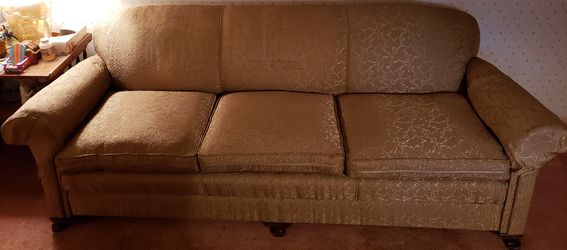 Vintage 7 Foot Gold Colored Sleeper Sofa Couch -- Used for Sale in Columbia Station,  OH