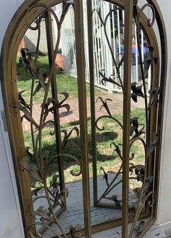 Vintage Arched Mirror with Accent Doors for Sale in Los Angeles,  CA