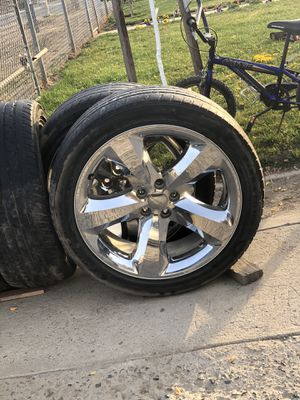 "20"" chrome rims off a charger for Sale in Fresno, CA"