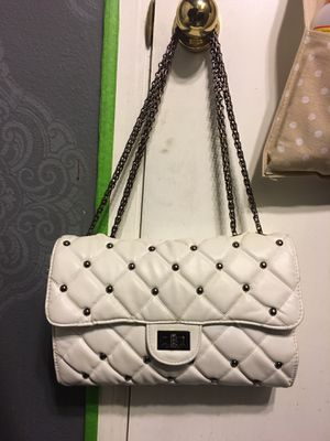 Chanel vintage 2.55 white flap bag for Sale in Tacoma, WA