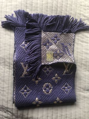 Authentic Louis Vuitton scarf dark blue/silver, wool/silk for Sale in Lynn, MA