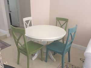 "Dining Set - 4 Chairs - Table 42"" for Sale in Weston, FL"