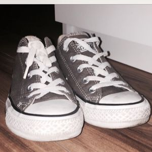 CONVERSE CHUCK TAYLOR ALL STAR for Sale in Philadelphia, PA