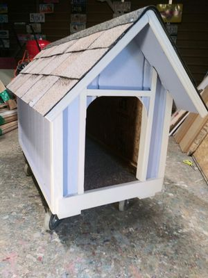New dog house medium size$85 firm must wear mask for Sale in Colton, CA