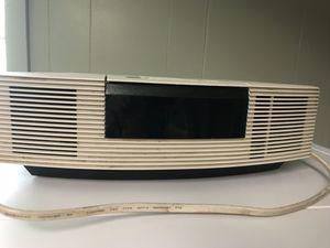 Bose radio with CD player for Sale in BRECKNRDG HLS, MO