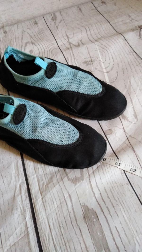 Beautiful Xtreme Sports Power Shoes , women's size 9 ( excellent condition )