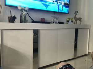 Large wall unit for Sale in Miami Lakes, FL