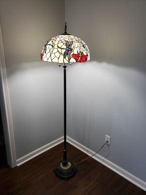 Tiffany style lamp for Sale in Alexandria, LA