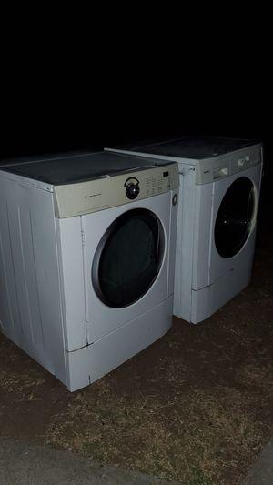 Free working washer....dryer works no heat for Sale in San Fernando, CA