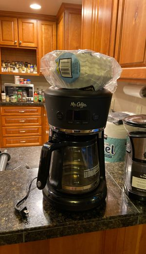 Coffee Maker and Grinder for Sale in Beaverton, OR