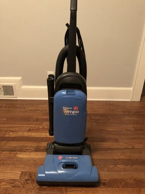 Hoover Widepath Tempo Vacuum w/ extra bags/filters for Sale in Greenville, SC