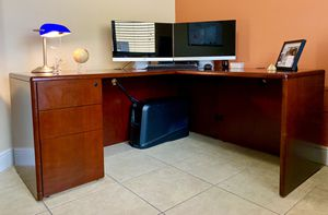 Executive Office Desk for Sale in Hialeah, FL