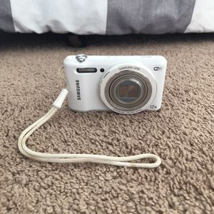 Samsung WB35F Camera for Sale in Germantown, MD