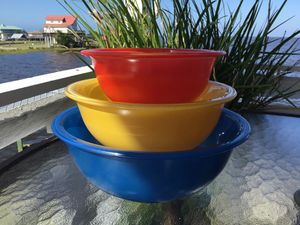"Vintage Pyrex ""Primary"" Nesting Bowls Clear Bottom for Sale in Horseshoe Beach, FL"