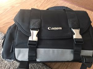 Canon 200 Deluxe Large Camera Bag for Sale in Oldsmar, FL
