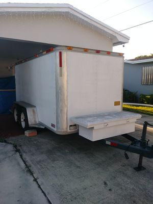 Trailer de 6x12 y tiene Freno Buena Condicion for Sale in Hollywood, FL
